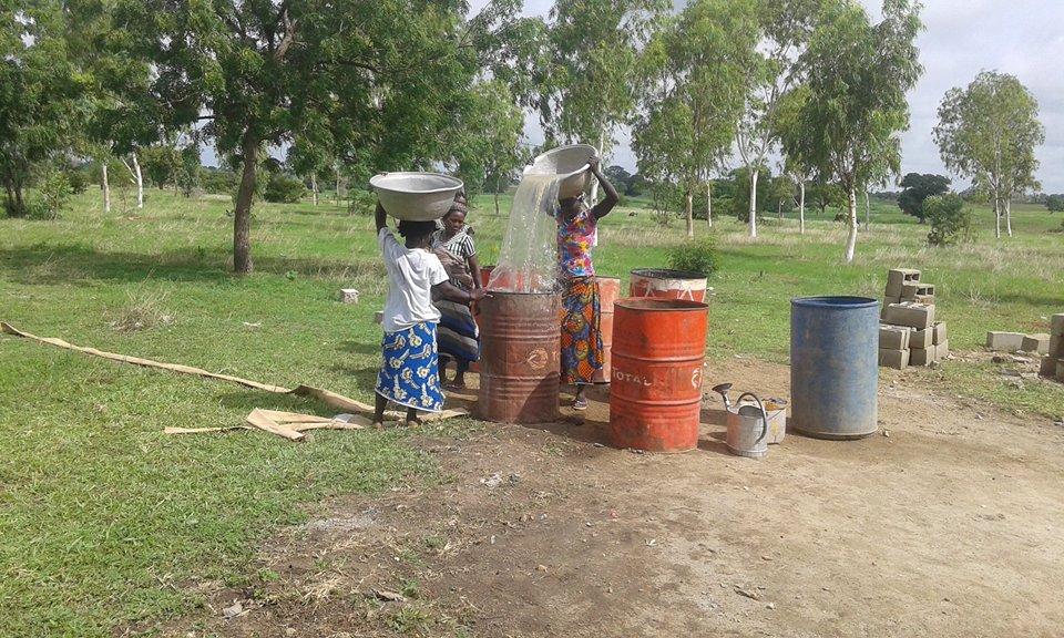 Burkina Entraide Travail des femmes pour la construction de l'école